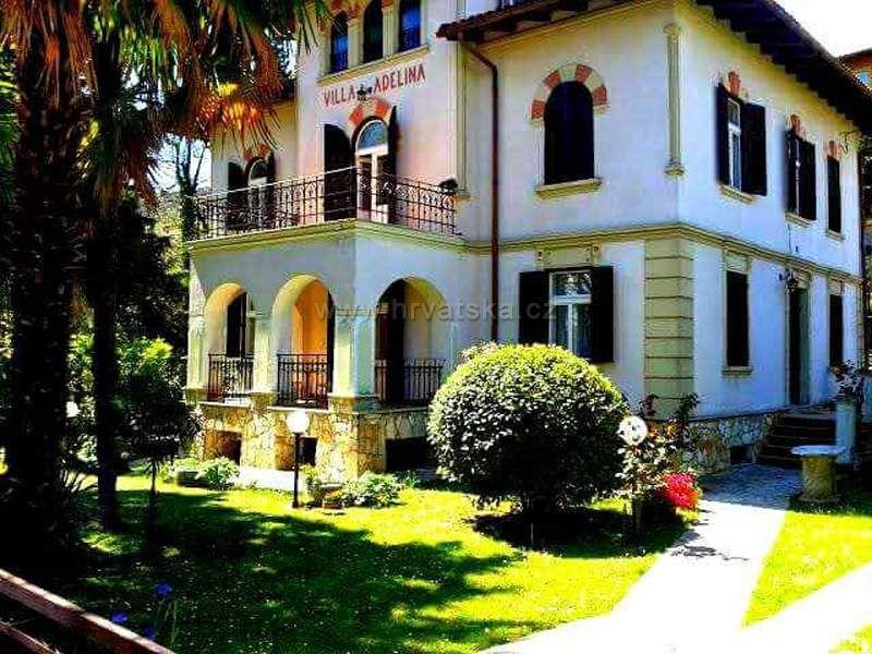 Villa Adelina