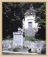 Senj - Quelle Cesarsko vrilo und St. Michael Kapelle